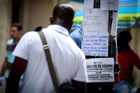 Desemprego entre negros também é maior que a taxa de brancos