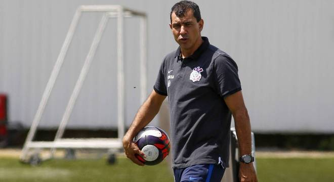 Técnico Fabio Carille está recuperando a confiança e o prestigio do  Corinthians e5f3f25b5d83d