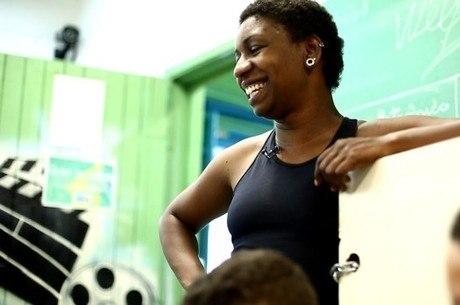 A  educadora Priscila Dias participa do filme Flores de Baobá