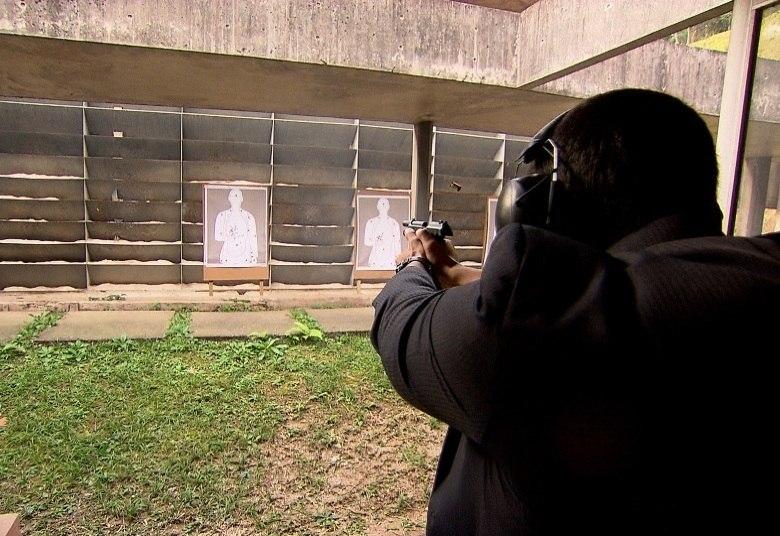 Ao longo de seis meses, a equipe do Câmera Record registrou o drama dos juízes que estão marcados para morrer por facções criminosas, pistoleiros, grileiros de terra e até políticos poderosos