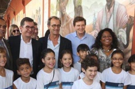 Prefeito do Rio participou de lançamento do mural no Armazém