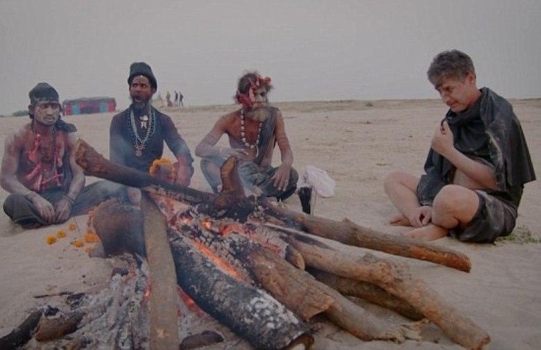 Durante as filmagens, o iraniano estava em Varanasi, conhecida como a capital espiritual da Índia e localizada próxima às margens do rio Ganges