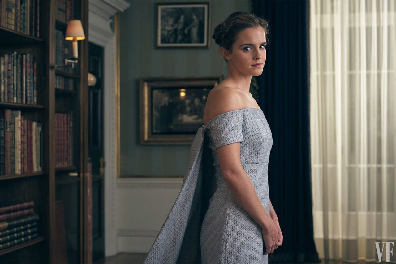 Hackers roubam e expoem fotos de Emma Watson trocando de roupa