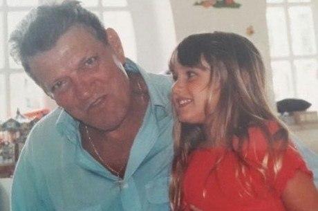 Sasha com o avô, Luiz Floriano Meneghel