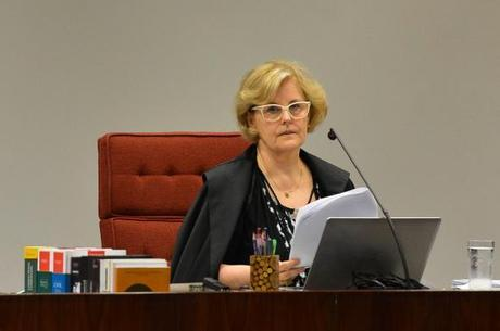 A ministra do STF, Rosa Weber, manda ação para plenário
