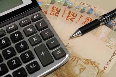 Reajuste ficou em 1,8% acima da inflação acumulada em 12 meses até fevereiro