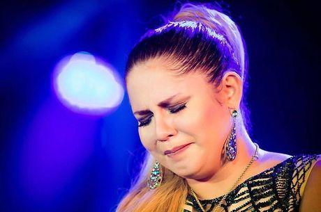 Marília Mendonça se emocionou durante show em São Paulo