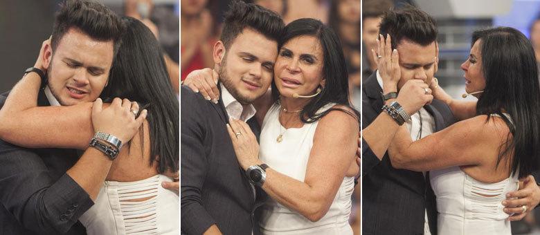 Mãe e filho não conseguiram segurar as lágrimas