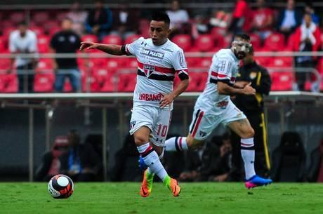 Cueva foi o autor do gol do São Paulo