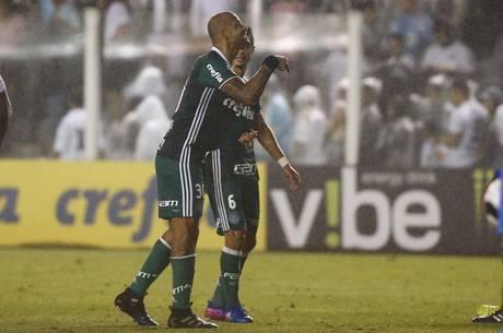 "Felipe Melo aos torcedores santistas: ""Aqui é Palmeiras!"""
