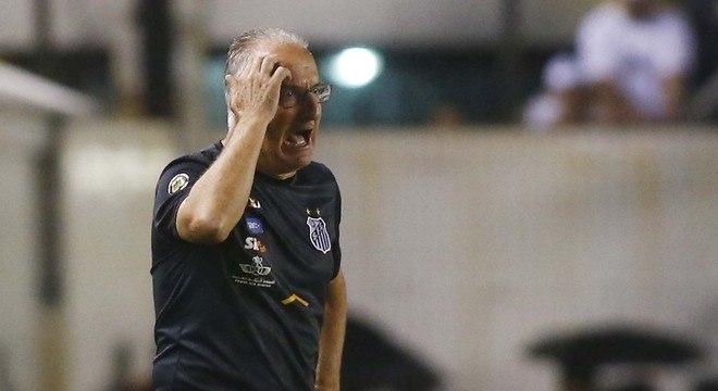 Dorival terá a missão de evitar um grande vexame na história do Santos nas próximas partidas