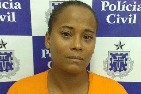 A mulher foi autuada em flagrante por homicídio