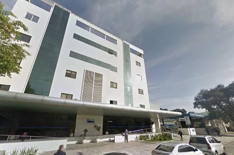 Menina teve dois braços quebrados dentro do Hospital Metropolitano da Lapa, em São Paulo