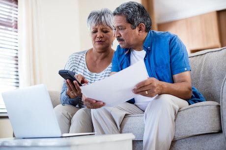 Especialistas: pagar as dívidas é o primeiro passo