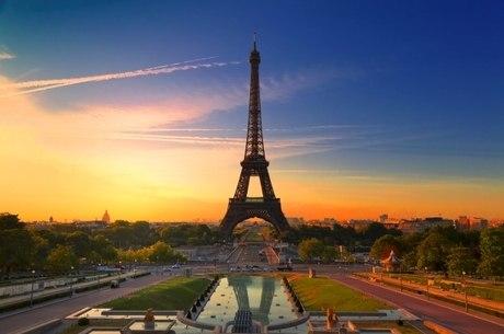 Medida assinala uma aceleração nos planos para livrar a capital francesa de veículos a gasolina