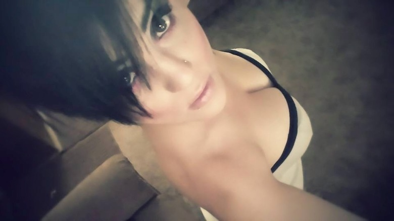 As informações são do site da emissora de TVNewsChannel4, de Oklahoma.Stormy, que tem apelido online de 'Punk Barbie', é mãe de uma criança que não teve idade e nomes revelados. Ela está presa numa prisão do condado e teve a fiança estipulada em cerca de R$ 450 milINSCREVA-SE NO CANAL DO HORA 7 NO YOUTUBE!
