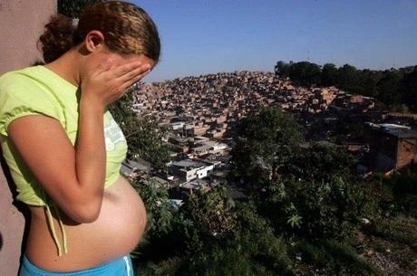 Gravidez não planejada também aumenta problemas sociais