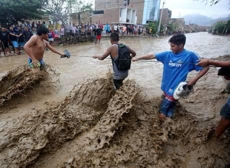 Enchentes no Peru aumentam número de mortos para 97