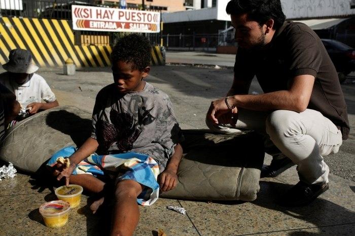 Resultado de imagem para venezuela passa fome