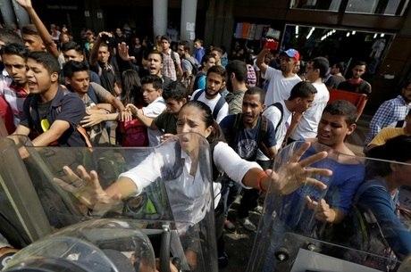Os manifestantes se concentraram uma das principais vias da Venezuela