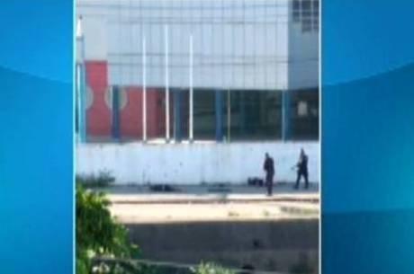 PMs atiram em suspeitos em frente à escola de Maria Eduarda