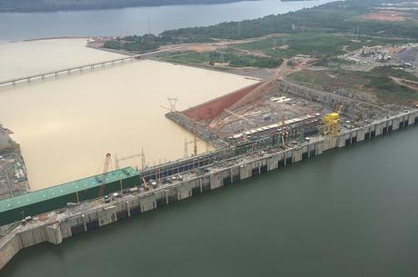 Resultado de imagem para Justiça suspende licença de operação de Belo Monte