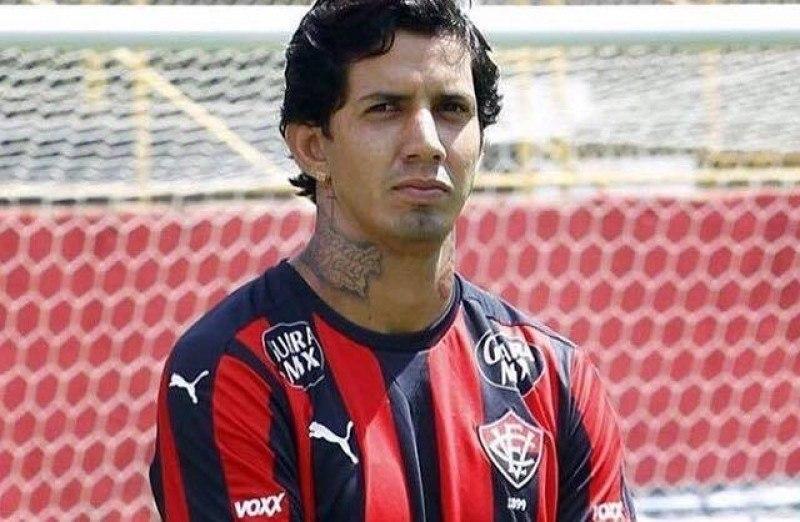 Pivô de polêmica no Vitória, Victor Ramos acerta com a Chapecoense