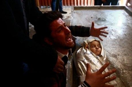 Na terça-feira (4), um ataque com armas químicas matou mais de 80 pessoas na Síria, incluindo 27 crianças