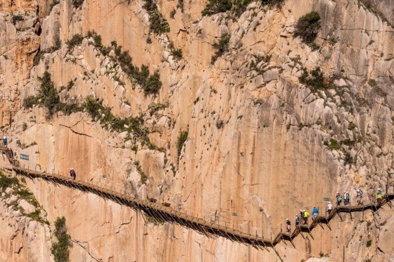 Trilha mais radical do mundo é aberta na Espanha. Veja fotos!