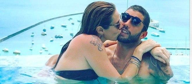 """Roubei um beijo"", disse Piovani na legenda"