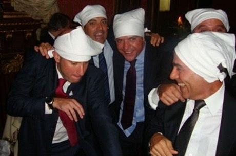 """Ex-governador Sergio Cabral e secretários participaram de episódio conhecido coo """"farra dos guardanapos"""", em 2009, em Paris"""