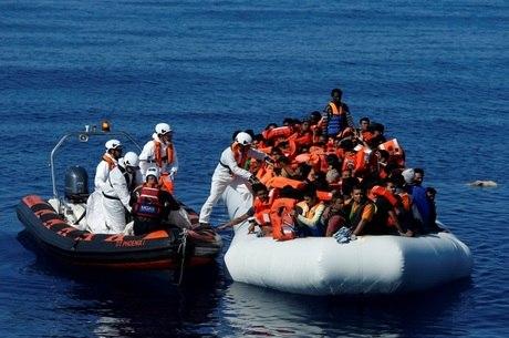 Guarda costeira italiana disse que foram realizadas 19 operações de resgate
