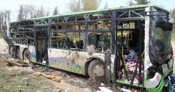 Crianças sírias morrem em ataque após terem sido atraídas por veículo cheio de comida
