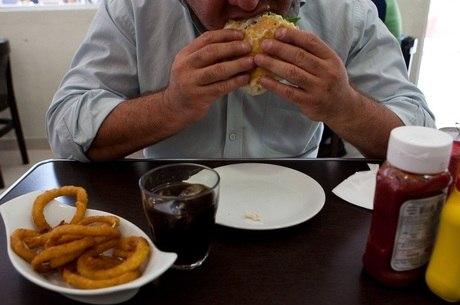 Brasileiro tem comido menos feijão, segundo pesquisa