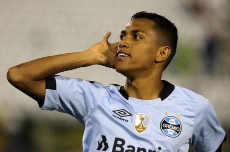 Pedro Rocha saiu do banco para marcar o gol gremista