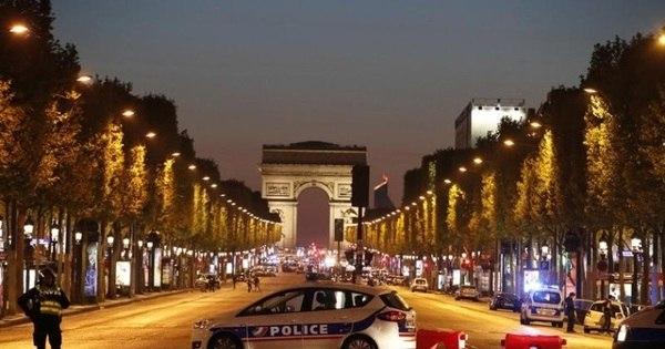 Ataque em Paris pode mudar rumo das eleições francesas