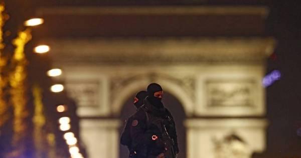 Estado Islâmico reivindica ataque na Champs-Élysées