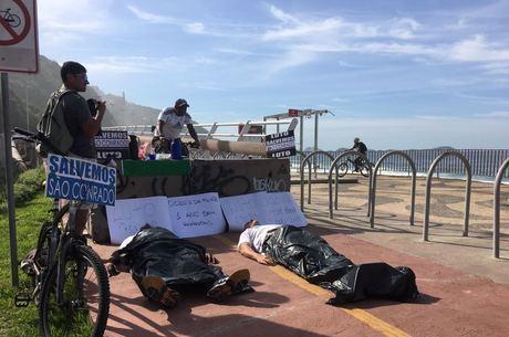 Manifestantes cobraram respostas do poder público