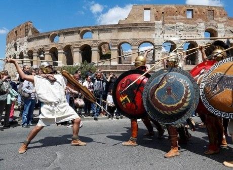 'Cidade Eterna', Roma festeja aniversário com gladiadores