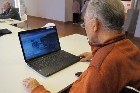 Acesso aos dispositivos digitais é estímulo cognitivo para idosos