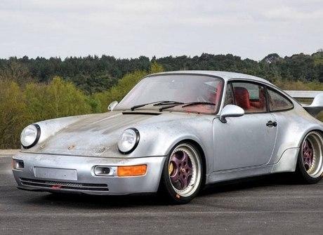 Raríssimo Porsche 911 com apenas 10 km rodados vai a leilão nos EUA
