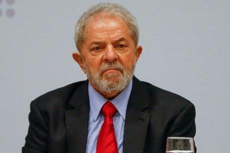 Pena de Lula foi reduzida para 8 anos e 10 meses