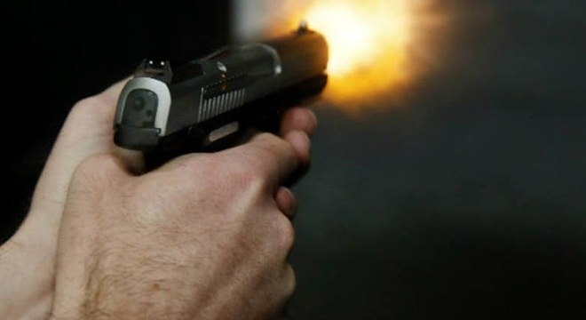 Bolsonaro estuda medidas para flexibilizar posse de armas no país