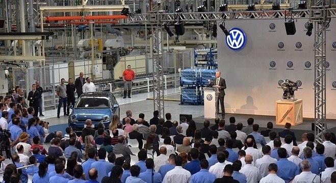 David Powels, chefão da Volks no Brasil e na América do Sul, discursa na fábrica de São Carlos