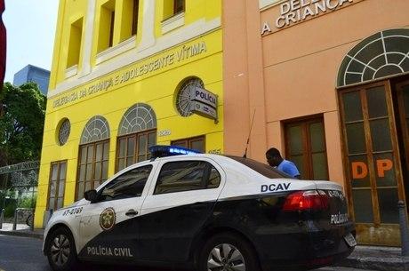 Resultado de imagem para Adolescente vítima de estupro coletivo no Rio entra para programa de proteção