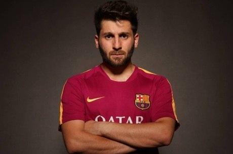 Sósia iraniano de Messi é levado à delegacia após causar tumulto nas ... ee857164e9e23