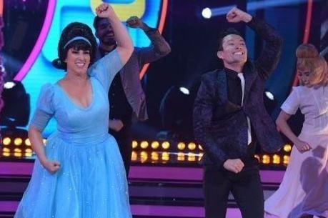 Fabíola Gadelha brilhou ao som de canção do filme Hairspray