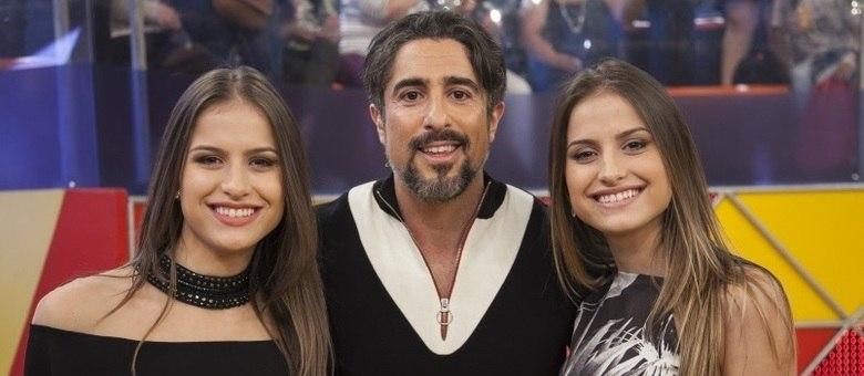 Júlia e Rafaela animam a plateia do Legendários com os sucessos