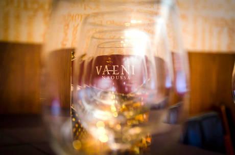 Restaurante Atenas recebe degustação de vinhos típicos da Grécia