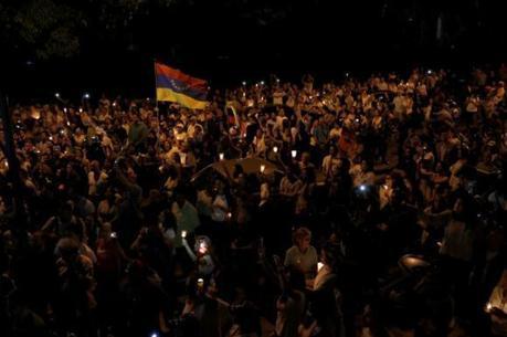 Pelo menos 50 pessoas morreram na Venezuela